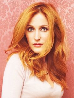 Gillian Anderson's perfect red hair!