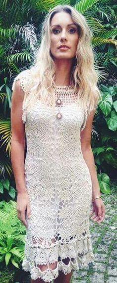 Vestido crochê branco pedaços