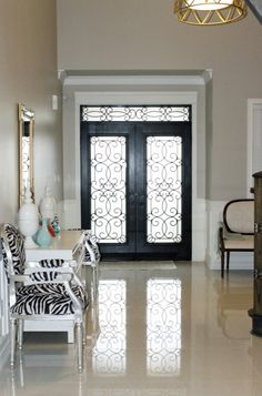 Crema Marfil, Contemporary, entrance/foyer, Benjamin Moore Revere Pewter, http://www.amdolcevita.com