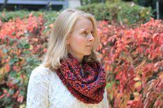 Rot-bunter Loop - Tolle Farbkombination und schön wärmend. Passt 2 mal um den Hals.