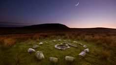 pendle hill, lancashire---England---famous place for witches and witch trials in 1612 Witch Trials, Strange Places, British Isles, Great Britain, Places To See, Countryside, Mystic, Beautiful Places, Scenery
