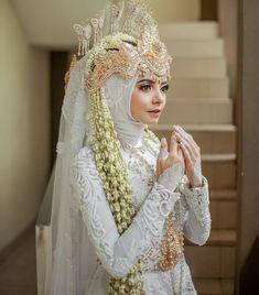 Traditional Wedding, Dream Wedding, Crown, Wedding Dresses, Fashion, Bride Gowns, Corona, Wedding Gowns, Moda