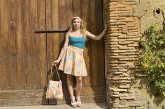 Maxi Bag con conchiglie colorate e catene dorate. Per info www.vanessavanhandmade.etsy,com