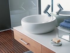 Modernin kylpyhuoneen peruselementit. - Modern bathroom basics.