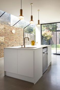 New Kitchen Design Contemporary House Extensions Ideas House Extension Design, Glass Extension, Side Extension, Extension Ideas, Casas Containers, London House, House Extensions, Küchen Design, Design Trends