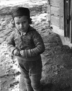 R. Vishniac. Lost children of Europe
