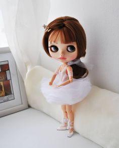 Доброе утро, друзья! Плодотворной недели всем  малышка Бриджит ищет маму, пишите в директ  больше фото куколки в ленте                  #blythe #blythedoll #customdoll #customblythedoll #customblythe #ballerina #ballet #sale #dance #blythestagram #instablythe #collection #blythephotography #ooakblythedoll #bjd #handmade #doll #продается #блайз #куклаблайз #коллекционнаякукла #балет #балерина #блайзомания #кукланазаказ #ручнаяработа #коллекционнаяигрушка #...