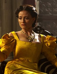 Lara Pulver as Clarice Orsini in Da Vinci's Demons (TV Series, 2013).