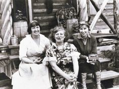 Mabel Dodge Luhan (left), with Frieda Lawrence and Dorothy Brett at the D. Lawrence Ranch north of Taos, New Mexico circa 1938 Mabel Dodge Luhan, D H Lawrence, 11. September, Land Of Enchantment, Women In History, Great Friends, New Mexico, Tao, American Literature