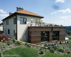 Taras, balkon lub loggia. Czy bardzo podnoszą koszt budowy domu i komplikują realizację projektu?