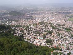 Capital of Honduras, Tegucigalpa this is what it looks like when u r flying in