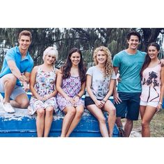 Mako Mermaids - The cast of season 2 ... finally filming has come to a wrap