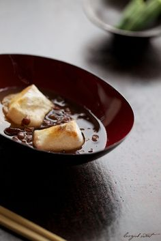 Japanese sweets, Zenzai (thick sweet beans soup with mochi)