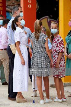 Princess Of Spain, Princess Sofia, Estilo Real, Spanish Royal Family, Royal Queen, Queen Dress, Save The Queen, Queen Letizia, Royal House