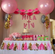 We love this adorable first birthday theme complete with Tiny Prints stickers and a big movie production. Big K Fam: Mila Turned ONE