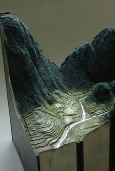Artist Carves Vintage Books Into Astoundingly Intricate 3D Sculptures (Photos) : TreeHugger