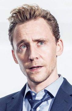 Lola is living la vida Loki Westminster, Thor, Tom Hiddleston Funny, Baby Toms, Avengers, Marvel Actors, Marvel Man, Thomas William Hiddleston, Chris Pratt