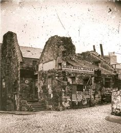Edinburgh: corner of Society (beside the top of Chambers Street) around 1859 Perth Scotland, Edinburgh Scotland, Old Pictures, Old Photos, Vintage Photographs, Vintage Photos, Old Town Edinburgh, Invention Of Photography, Cairngorms