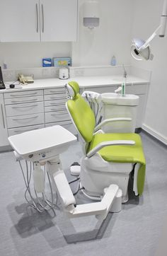 dental surgery refurbishment - Belmont cleo Kneebreak was an ideal solution in all rooms of this orthodontic practice.