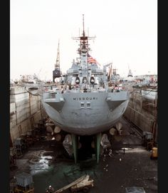 Battleship USS Missouri in drydock. Per Previous Pinner: I reported aboard three weeks later. Best years of my life. Uss Oklahoma, Uss Iowa, Us Battleships, Naval History, Military History, Capital Ship, Heavy Cruiser, Us Navy Ships, Navy Marine