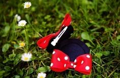 Is this not the greatest idea?  mouse hair clips instead of the headbands.  This would take up a lot less space in our Disney Bag and be much more comfortable!
