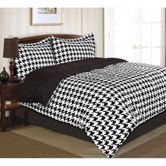 Divatex Home Fashions Houndstooth Comforter Set Size: King, Color: Purple Pink Bedding Set, Comforter Sets, Duvet, Alabama Bedroom, Sweet Home Alabama, New Room, Bed Spreads, Decoration, Houndstooth