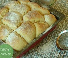 Hach.. wie das duftet. Frische Dukatenbuchteln, direkt aus dem Ofen auf den Tisch. So kann der Sonntag beginnen!