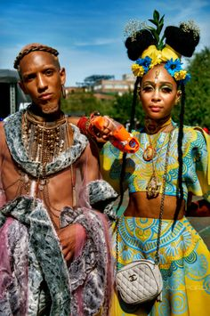 afrikanischer stil 17 times Africans showed how done at African Festivals While most festivals are dominated by flowers and floral outfits, African festivals are filled wi Look Festival, Festival Fashion, African Beauty, African Fashion, African Style, Style Afro, Goth Style, Mode Punk, Afro Punk Fashion