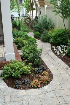 25 Stunning Garden Paths - This one is stunning! Diy Garden, Dream Garden, Lawn And Garden, Garden Path, Outdoor Landscaping, Outdoor Gardens, Landscaping Ideas, Landscape Design, Garden Design