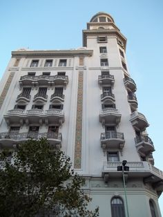 Edificio Rex. Av. 18 de Julio. Montevideo - Uruguay