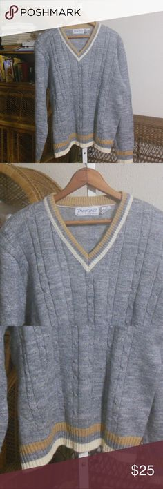 70s Vintage Mens Grey Preppy Sweater V-neck sweater in excellent pre-owned condition.  Marked vintage size Large.  52 chest  27 length  28 sleeve length. Vintage Sweaters V-Neck