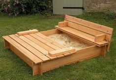 heck yes!!! SAND box you can close.   pallet+furniture+ideas | pallet furniture ideas _07 | Dominic