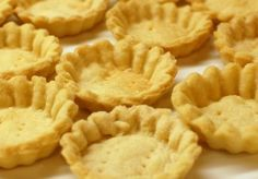 Homemade Mini Tart Shells (How to make tartlet shells) September 2013 By Mika 12 Comments Tart Crust Recipe, Pastry Recipe, Mini Tart Dough Recipe, Kolaczki Recipe, Churro Recipe, How To Make Tart, Mini Tart Shells, Recipe For Tart Shells, Mini Pie Crust
