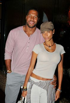 """Michael Strahan and Nicole Murphy Photos Photos: Stars at the Debut of """"In the Flow"""" in Beverly Hills 2 Beautiful Old Woman, My Black Is Beautiful, Kelly Ripa Feet, Celebrity Couples, Celebrity Style, Couple Outfits, Couple Clothes, Nicole Murphy, Graydon Carter"""