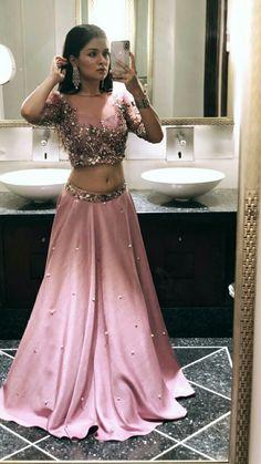 Avneet kaur going for photoshoot at Celebrity Face 😍 Lehenga Designs, Saree Blouse Designs, Dress Designs, Indian Lehenga, Ethnic Outfits, Indian Outfits, Indian Designer Outfits, Designer Dresses, Modern Saree