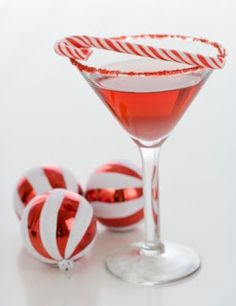 Vanessa and Valentine: Thirsty Thursdays: Peppermint Stick Martini