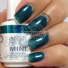 Gelish Haute Holidays - Kisses Under the Mistletoe - Chickettes.com