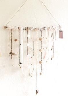 Suspension en Bois Flotté, décoration pour la Maison Idées décoration en bois par Kirsten Design www.kirstendesignboisflotte.com #boisflotté #deco #home #diy #homedeco