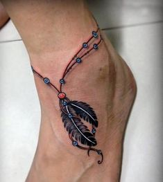 Ankle tattoo is a one of popular selection for women. If you want get a tattoo on your ankle, these ankle bracelet tattoo designs are perfect for you. Tattoo Plume, Juwel Tattoo, Feather Tattoo Foot, Chain Tattoo, Tattoo Bracelet, Tattoo Blog, Neue Tattoos, Body Art Tattoos, Girl Tattoos