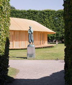 Christiansen And Andersen Create A Pavilion Of Wooden Walkways In Copenhagen's Castle Grounds - http://decor10blog.com/decorating-ideas/christiansen-and-andersen-create-a-pavilion-of-wooden-walkways-in-copenhagens-castle-grounds.html