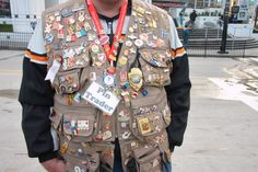 pins and pin trader Canada Goose Jackets, Military Jacket, Winter Jackets, Fashion, Winter Coats, Moda, Field Jacket, Winter Vest Outfits, Fashion Styles