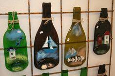 hosfrularsen: Glaskunst Glass Bottle Crafts, Wine Bottle Art, Glass Bottles, Glass Craft, Slumped Glass, Fused Glass Art, Stained Glass, Statues, Wine Club Membership