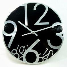 Se virando sem grana: Relógio de parede com material reciclado