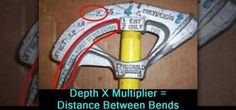 A conduit-bending guide with instructions on how to bend EMT conduit. Learn how to bend conduit easily and effectively with a hand bender. Wiring A Plug, Home Electrical Wiring, Electrical Projects, Electronics Projects, Conduit Bending, Metal Bending, Tubo Conduit, Bend Pipe, House Wiring