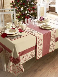 Angelica Home & Country Co Dining Table Cloth, Table Linens, Deco Originale, Deco Table, Decoration Table, Table Covers, Soft Furnishings, Table Runners, Diy And Crafts