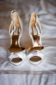 Amanda Watson Photography < http://www.amandawatsonphoto.com > www.wedsociety.com