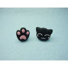 Design inspired in Cats and the pawprint. All our products are handmade; therefore, there may be slight differences with the provided picture Length cm Width cm Composition Polymer Clay Polymer Clay Cat, Polymer Clay Projects, Polymer Clay Charms, Polymer Clay Creations, Polymer Clay Earrings, Clay Cats, Clay Animals, Cat Products, Cute Clay