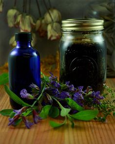 Herbal Medicine How to Make Herbal Liniments. Simple to make, herbal liniments are a great element for any home medicine cabinet! They offer instant relief for pain, inflamed muscles, bruises, and sprains. Home Medicine, Natural Medicine, Herbal Medicine, Medicine Cabinet, Healing Herbs, Medicinal Plants, Natural Healing, Holistic Healing, Natural Skin