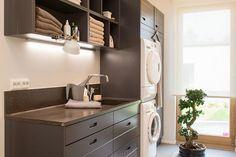 10 Kannustalon Lato - Kodinhoitohuone Laundry In Bathroom, Laundry Rooms, Laundry Design, Interior Lighting, Mudroom, My Dream Home, Home Appliances, Kitchen, House
