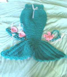 Hey, I found this really awesome Etsy listing at https://www.etsy.com/listing/195332392/newborn-babies-mermaid-tail-photo-prop